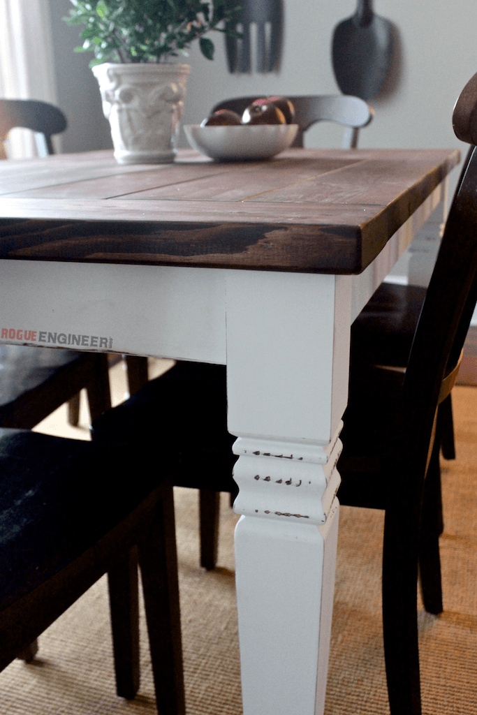 Diy farmhouse table free plans rogue engineer for Farmhouse table plans with x legs