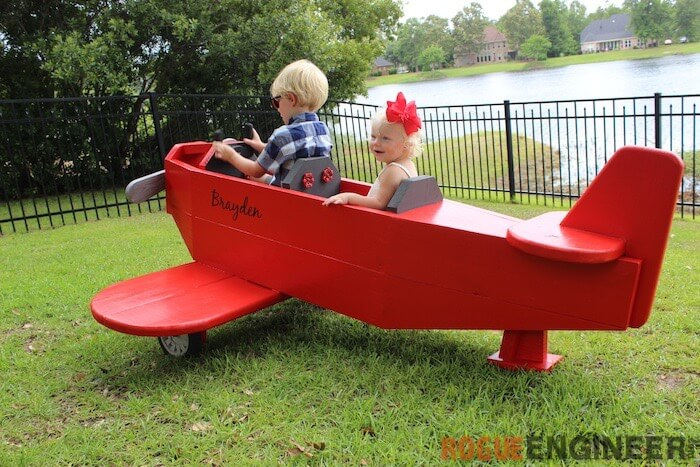 Airplane play structure free diy plans rogue engineer for Diy play structure
