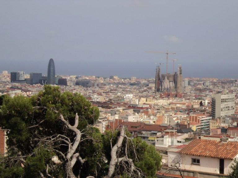 Vistas de la Ciudad desde Parc Güell, Barcelona, 2013 | viajarcaminando.org