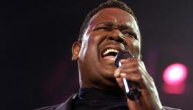 (FILE PHOTO) Singer Luther Vandross Dies At Age 54