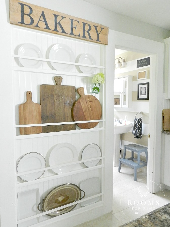 Plate Rack Wall , Farmhouse Kitchen | Rooms FOR Rent Blog