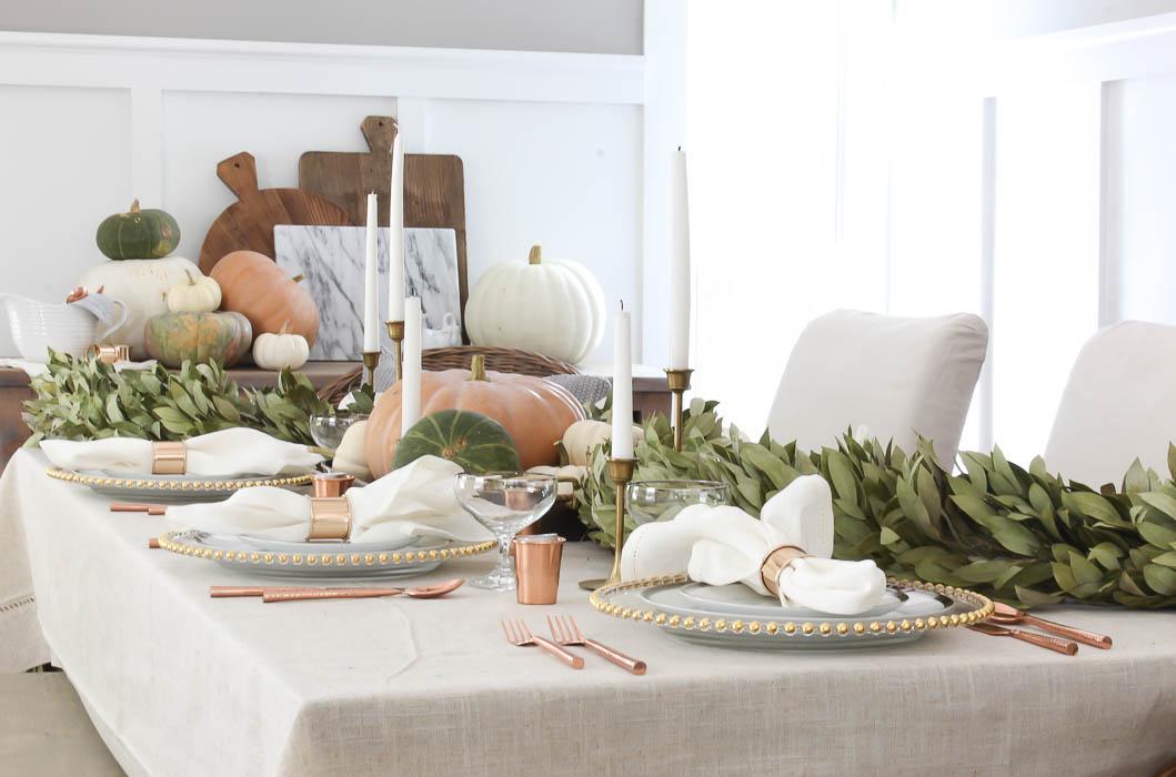 thanksgiving garland table decor