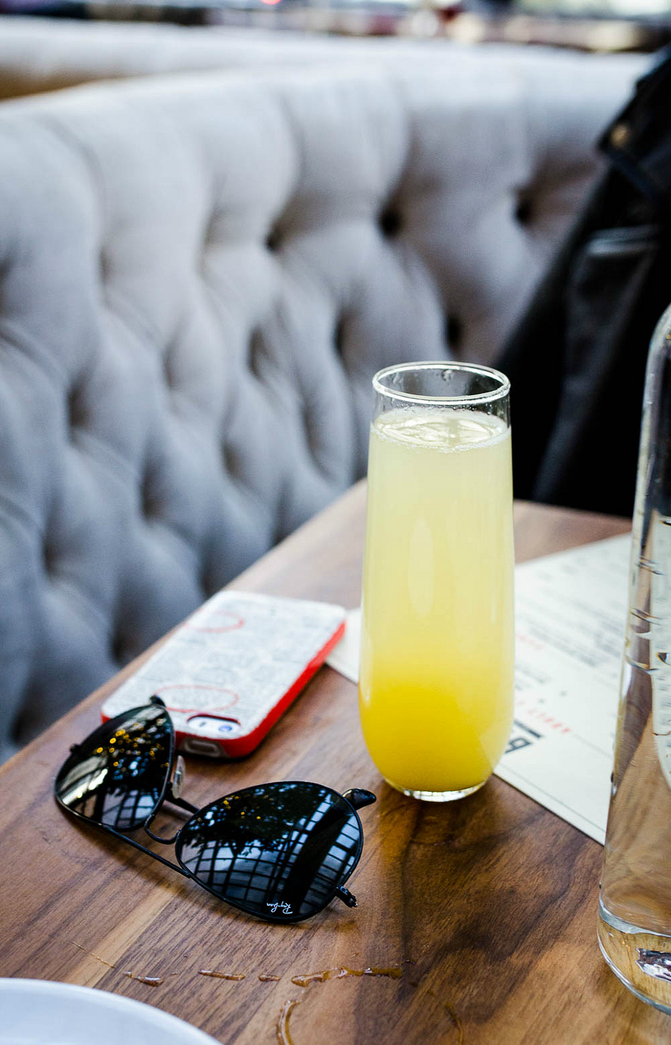 Townhouse-detroit-rosecitystyeguide-city-guide-brunch-mimosa-ray-ban-aviators