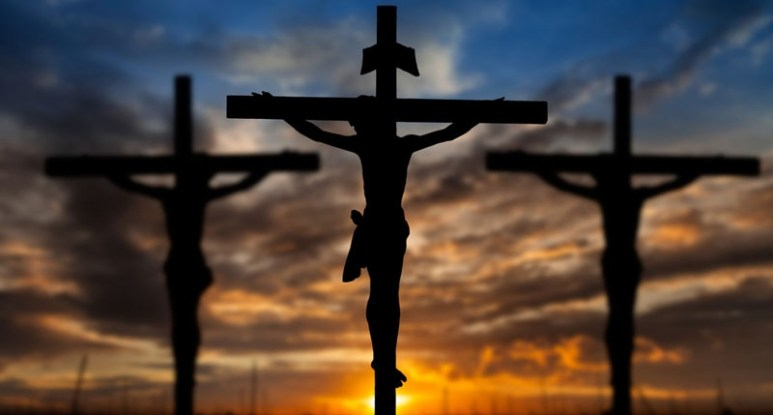 Silhouette-of-Jesus-during-his-crucifixion-Shutterstock-800x430