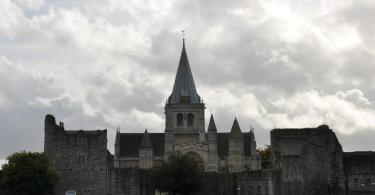 Before the storm, Rochester Cathedral, Kent, UK - www.rossiwrites.com
