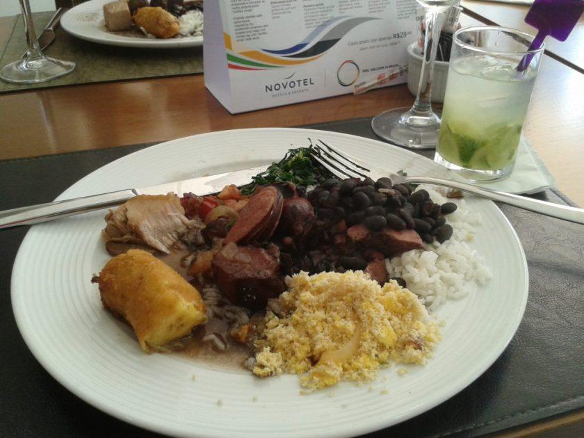 Feijoada com caipirinha, nada mais brasileiro, nada mais carioca!