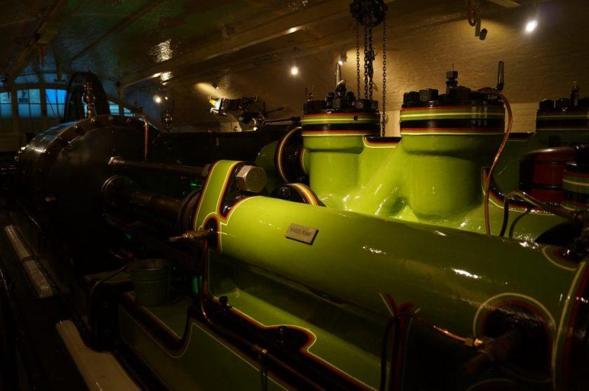 Máquina a vapor em funcionamento