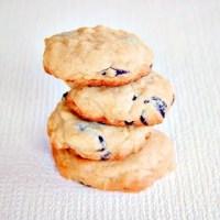 Crunchy Chocolate Almond Cookies | Roxanashomebaking.com