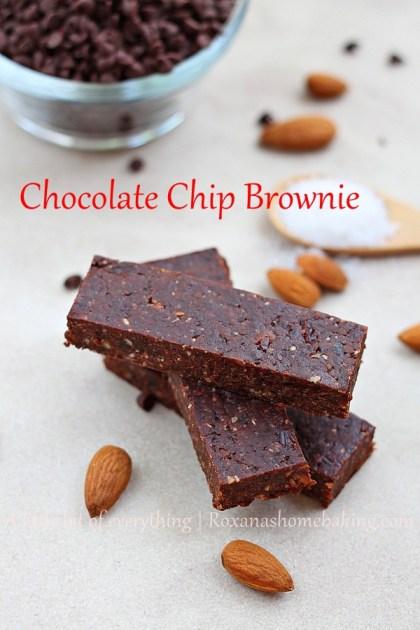 Chocolate Chip Brownie Bars | Roxanashomebaking.com
