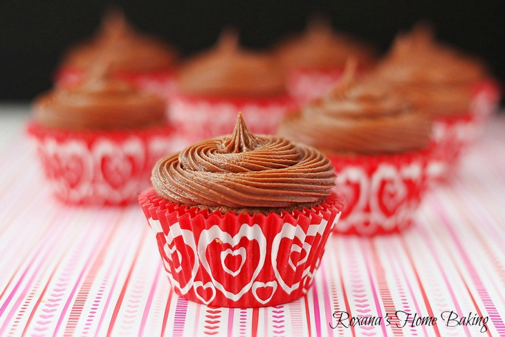 Nutella cupcakes with Nutella frosting