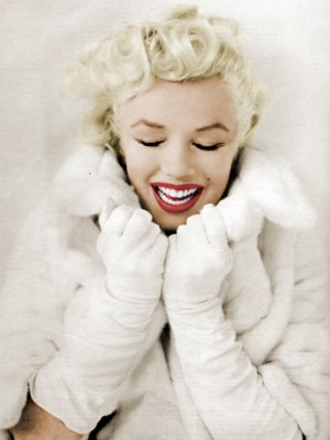 Marilyn Monroe winter pinup fashion essentials