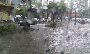 flash flooding in downtown Sai Gon