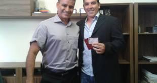 Marlon Bruno com o presidente da OAB local D. Gê Camelo.