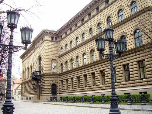 Здание Сейма (парламента) Латвии