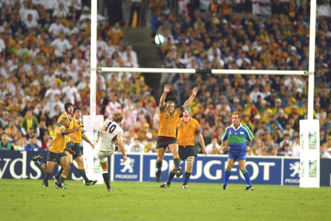 Johnny Wilkinson breaks Australian hearts by slotting a drop goal in the dying embers of the 2003 World Cup final
