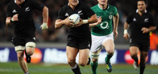 AUCKLAND, NEW ZEALAND - JUNE 09:  Daniel Carter of the All Blacks makes a break during the International Test Match between the New Zealand All Blacks and Ireland at Eden Park on June 9, 2012 in Auckland, New Zealand.  (Photo by Hannah Johnston/Getty Images)