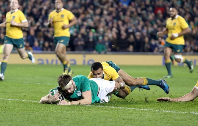 Iain Henderson scores the first try of the game 26/11/2016