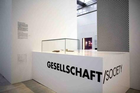 """Die Architektur der Ausstellung greift das Thema """"Megacity"""" auf. Foto: Herr Gerharz"""