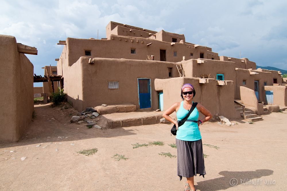 Taos pueblo and a thousand year old adobe architecture for Prefab adobe homes