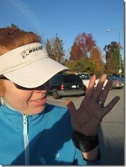 lookingathand thumb Avoid Getting Hurt