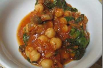Chickpeas in sauce