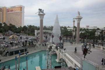 Rock N' Roll Las Vegas Half Marathon Recap / Review