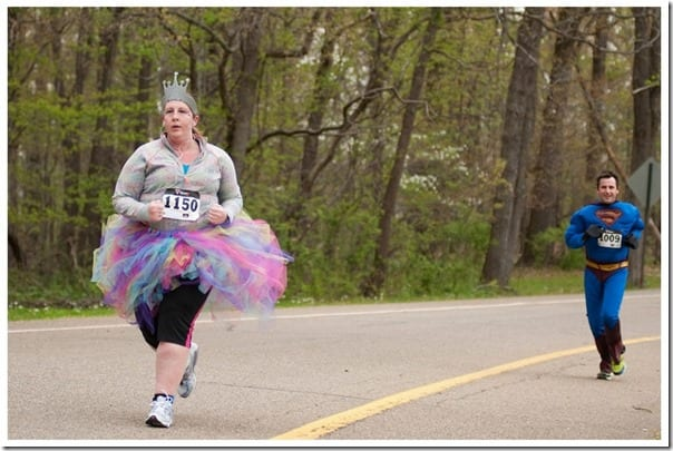 amys epic running outfit 800x535 thumb Running Fashion Don'ts   Brooks Running Gear Makeover