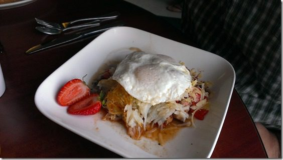 lamb hash for breakfast 800x450 thumb Where to Stay and Eat in Santa Rosa