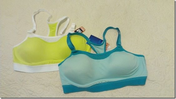 champion sports bra giveaway 800x450 thumb Best Valentine's Day Gifts for Runners