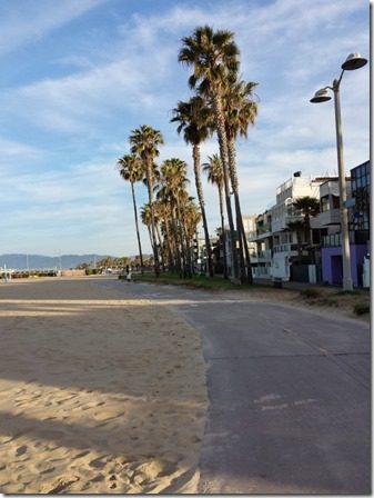 running on the los angeles beach path california 600x800 thumb Running In Santa Monica California