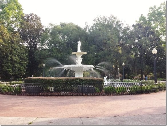 running through savannah fountain 800x600 thumb Sweet Tea is Great Running Fuel–I Hope.