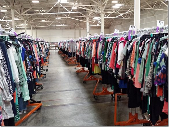 stitch fix clothes 800x600 thumb What Really Goes on at StitchFix–behind the scenes at the mail order style company