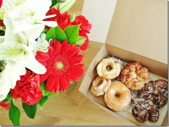 flowers and donuts 800x600 thumb The Way to My Tiny Black Heart