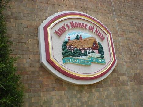 dscn0434 Ann's House of Nuts