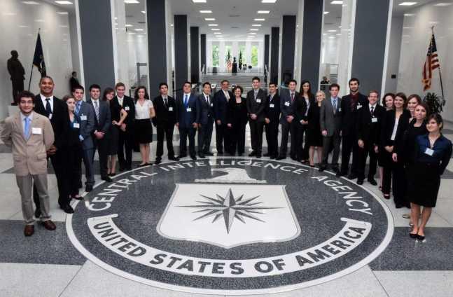 Panetta-Interns-Tour-CIA
