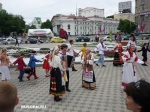 marsh v vishityh rubashkax horovod 2