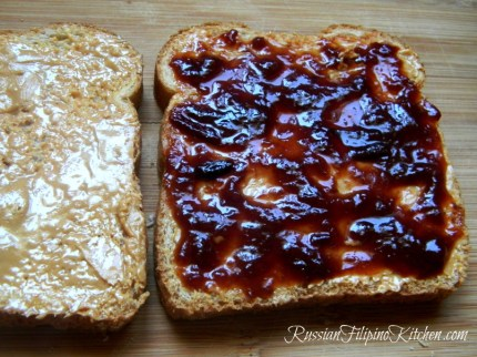 classic peanut butter jelly sandwich not soggy3