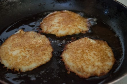 Draniki – Russian Potato Pancakes 10