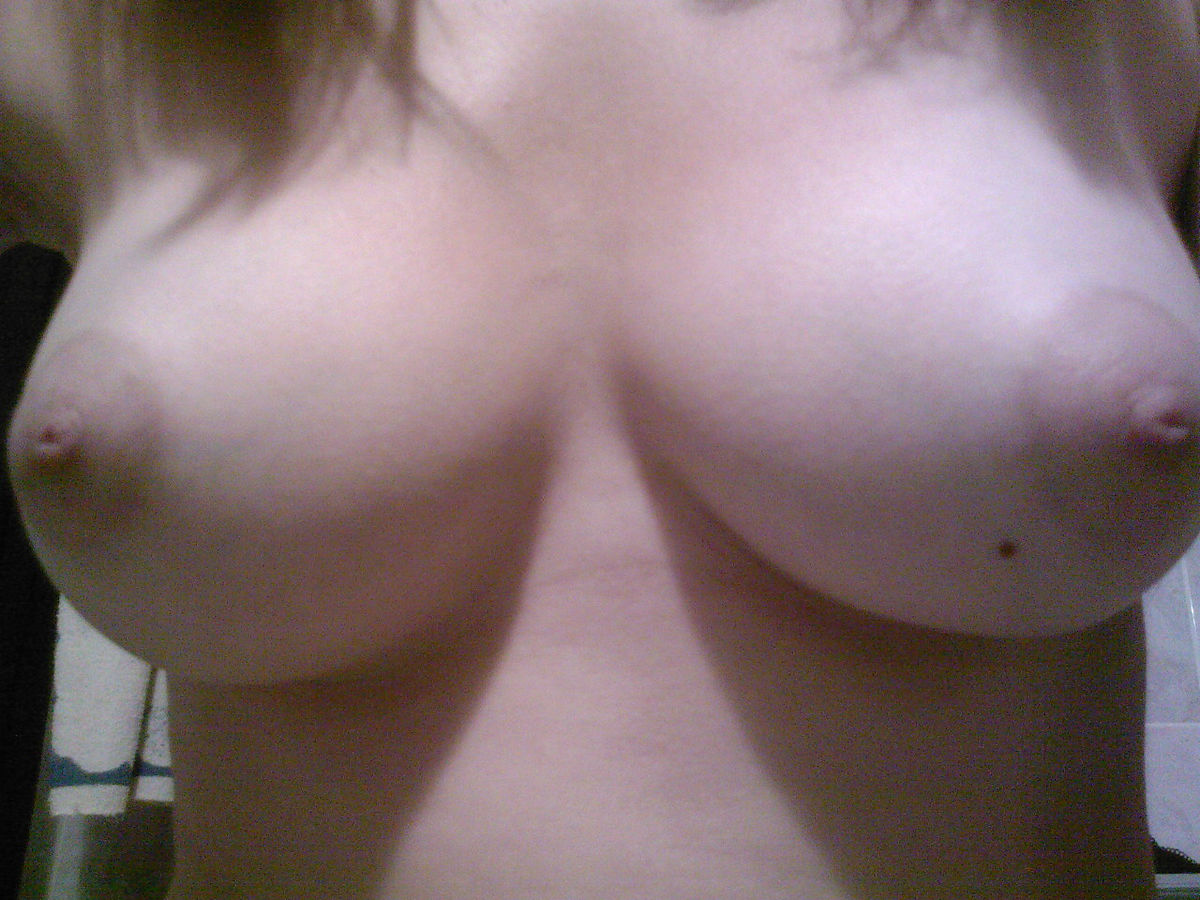 virgin girls naked self shots