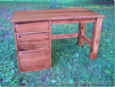 deskb
