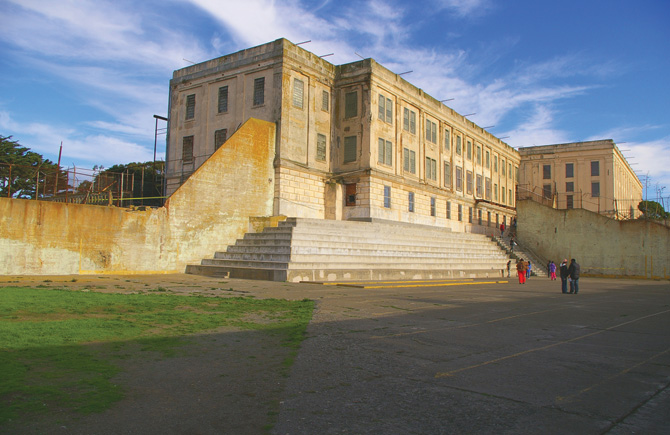 federal penitentiary, there were only 14 escape attempts from Alcatraz ...