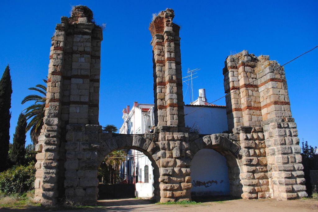Aqueduct of San Lázaro