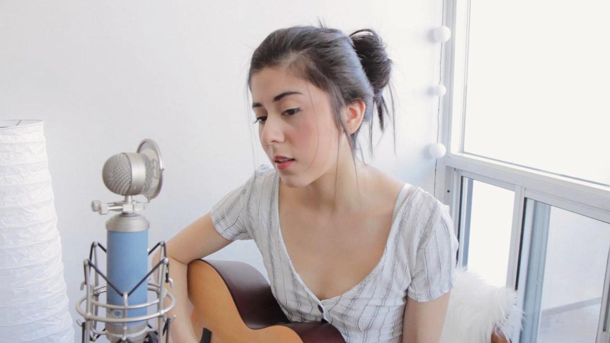Daniela Andrade【おすすめの女性ボーカル】【ギターが弾ける女性はカッコいい】