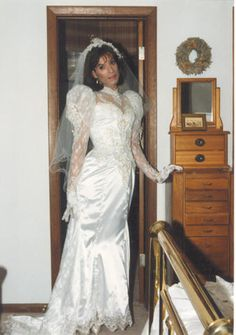transvestites in wedding gowns