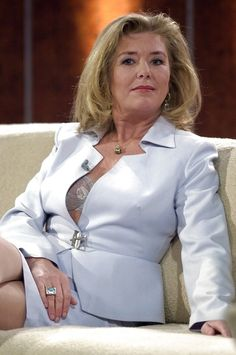elegant older women sucking cock