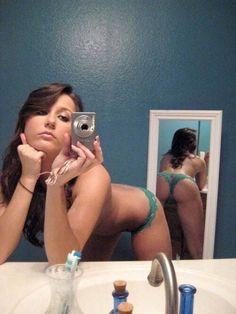 girl bending over nude selfies