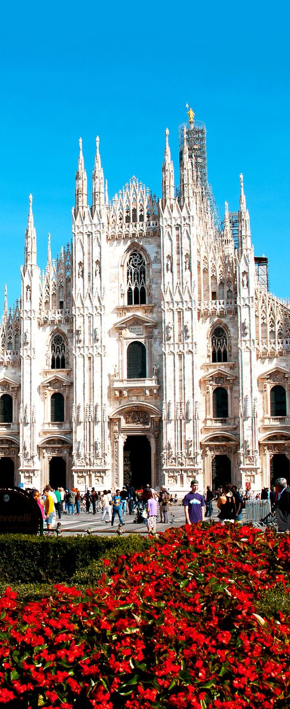 Milan Famous Cathedral (Duomo), Italy          Amazing Photography Of Cities and Famous Landmarks From Around The World: