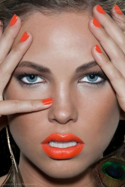 Orange Lips tend to look more flattering on a more tanned skin. Wonderful for spring - summer: