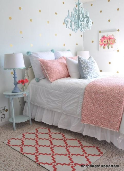 Second Hand Farmhouse Bedroom Makeover: