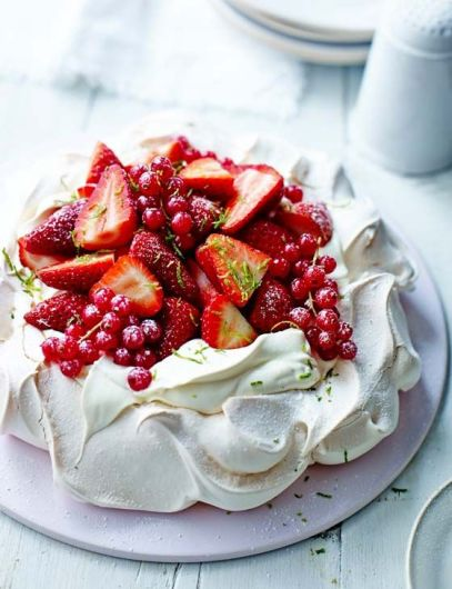 Strawberry Daiquiri pavlova: